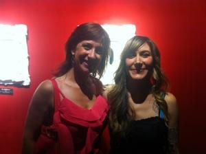Emanuela Scanu con Tara McPherson presso la Dorothy Circus Gallery